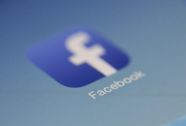 Gedankenkarussell – Stirbt Facebook für die Buchcommunity aus?