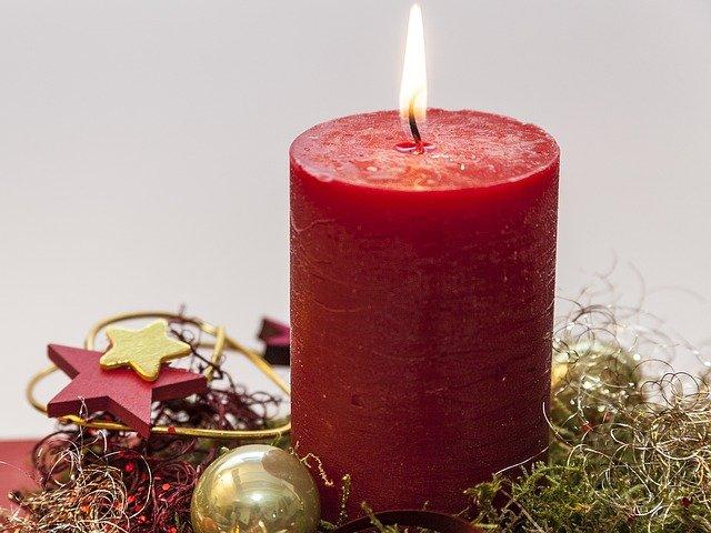 erster Advent Kerze